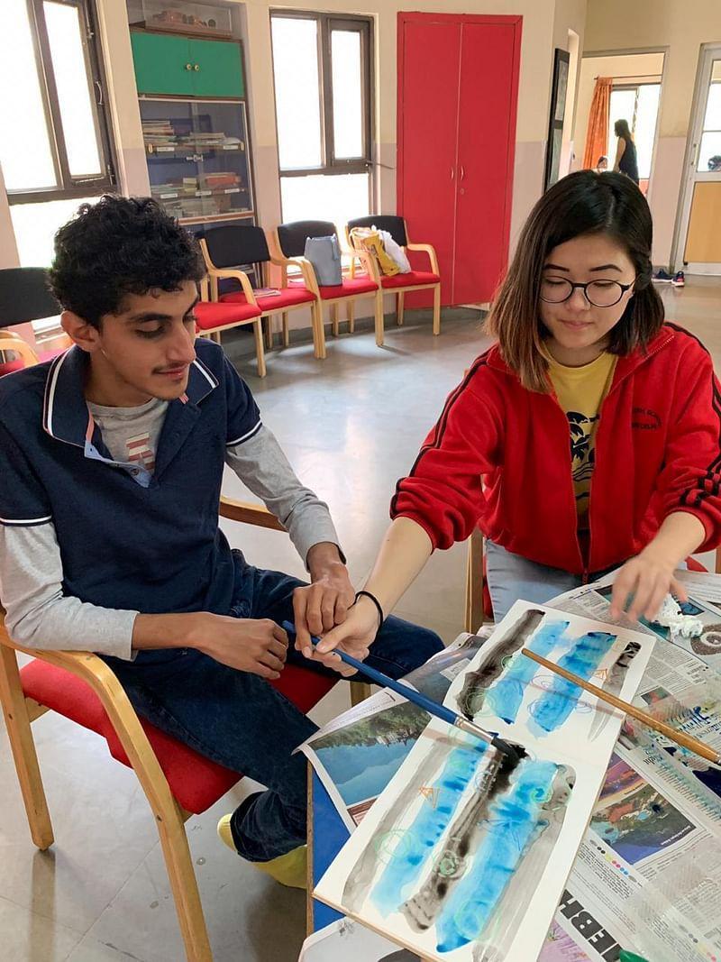 Ota teaching art therapy