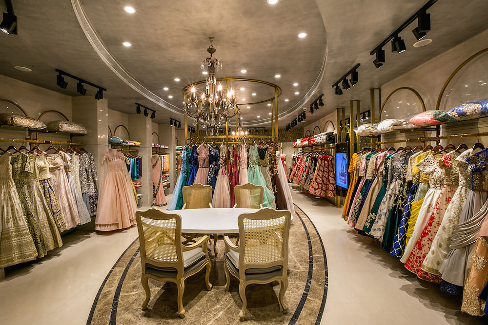 Offering an indulgent & immersive experience for brides to be at Neeru's 1000 signature store. Design by FRDC. Images: Prasad Photography