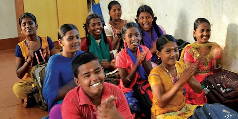 Students at Nukkad Pathsahala