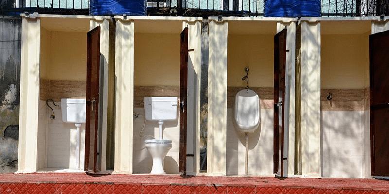 Caya's toilets