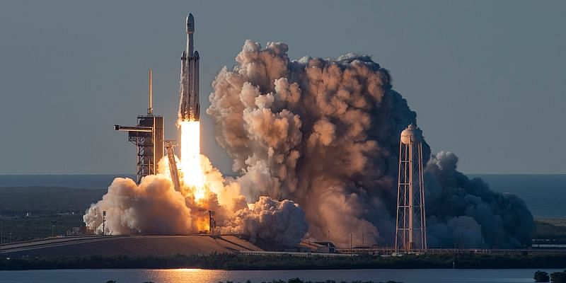 SpaceX Heavy Falcon in action