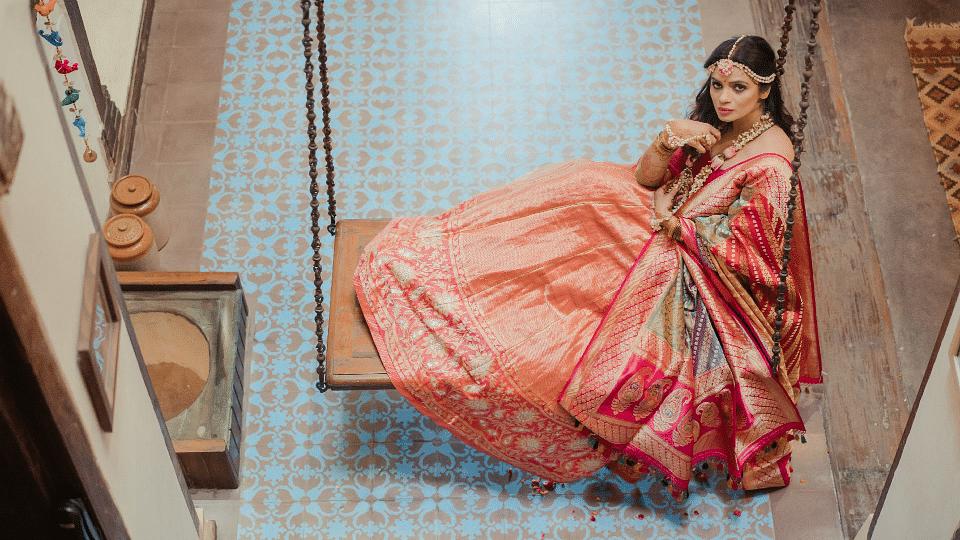 Choose hand-woven fabrics for a stylish summer