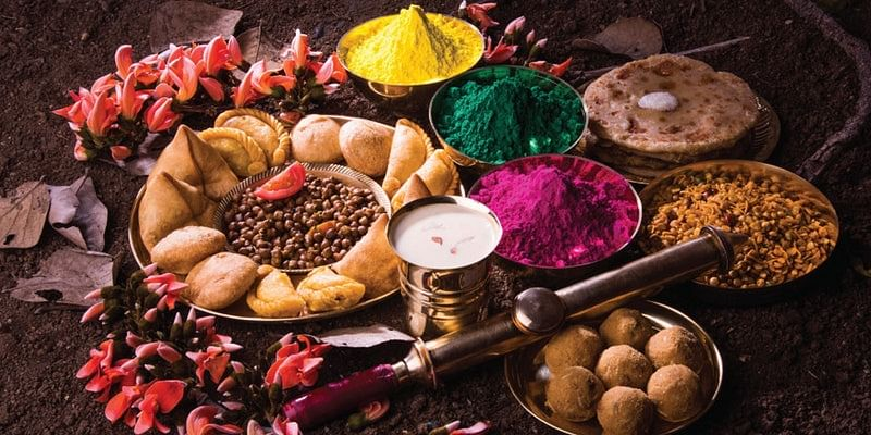 Planning a Holi Party? 5 traditional foods
