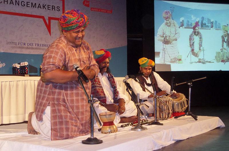 Folk-music-performance