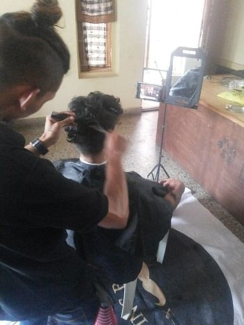 The flying barber in action