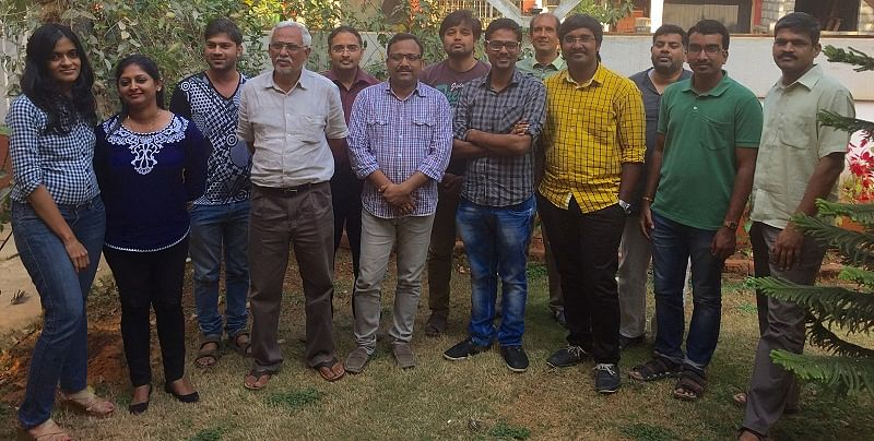 FonePaisa's team with Sharad Hegde (white hair) with Ritesh Agarwal (CEO) to his left.
