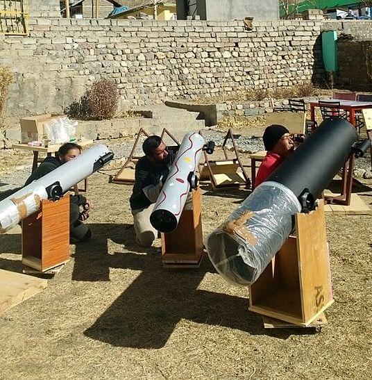 Telescopes in Kaza (image credit: Hotel Deyzor)