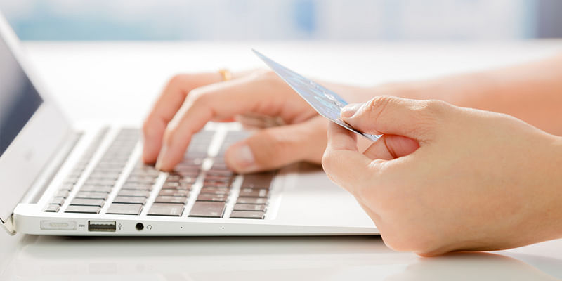 literature review on customer satisfaction in online shopping