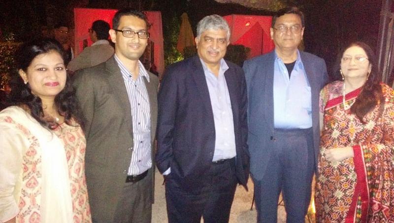 Viral-Nandan-family-book-launch