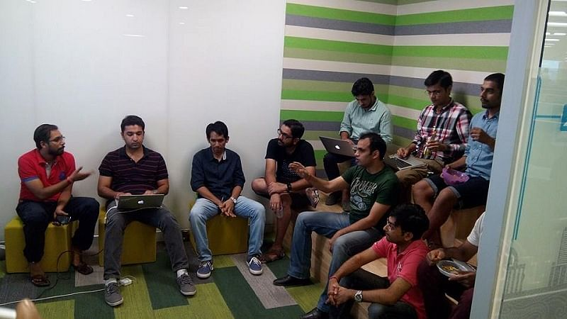 Ajay in discussion with the team at SlideShare