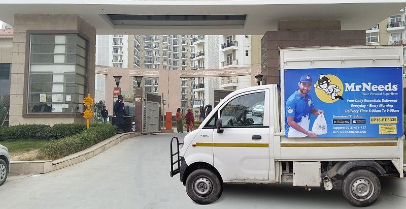 MrNeeds delivery van