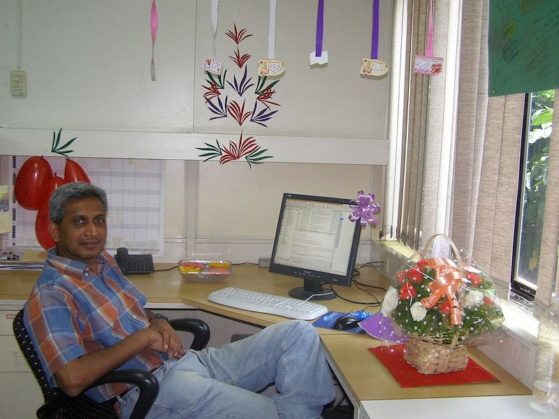 Vasan on his desk at his last working day @ NetContinuum