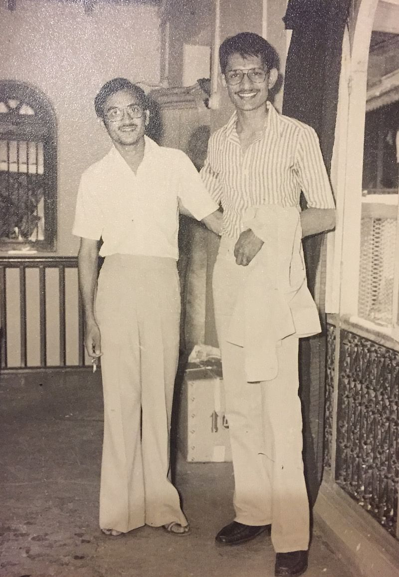 A few days before leaving for USA, Rajiv poses with his childhood best friend Hitendra Jadeja
