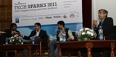 techsparks-tsparks-panel-discussion-1