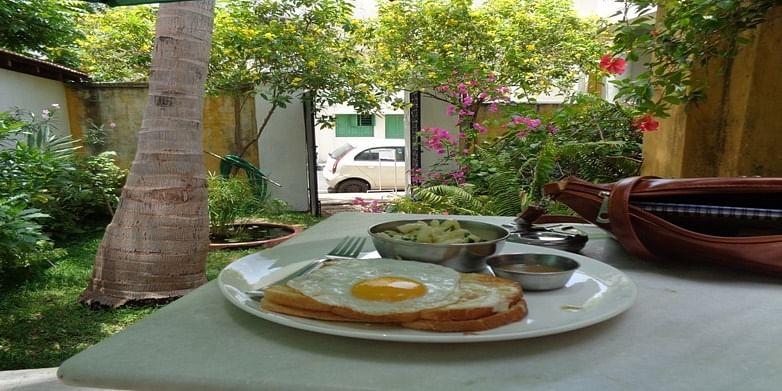 Figure 8 Breakfast at Pondicherry