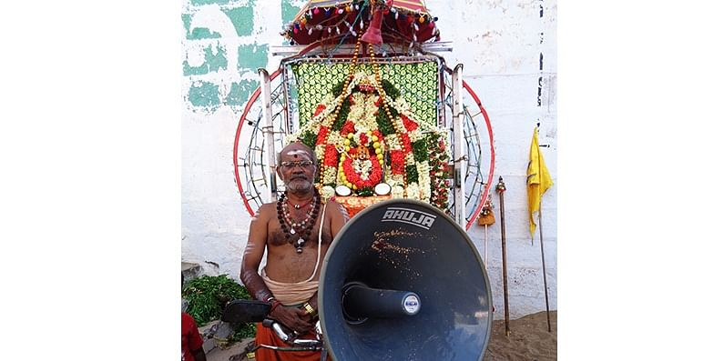 Figure 3 At the annual festival in Samayapuram