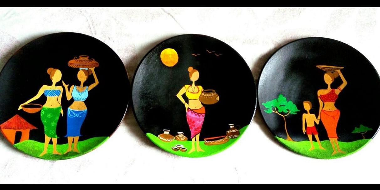 Terracotta plate designs.