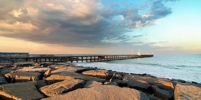 Image Source: https://traveltriangle.com/blog/best-beaches-in-pondicherry/