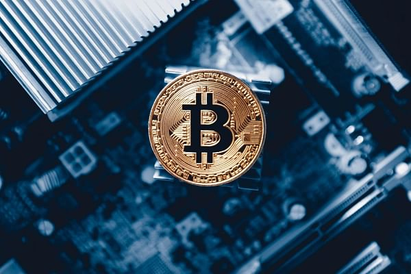 Trying to convince someone to buy their first cryptocurrency? First send them this list of five books
