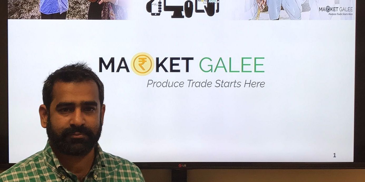 Mr. Zakir Shaikh - Founder - Market Galee while presenting a paper at one of the conferences