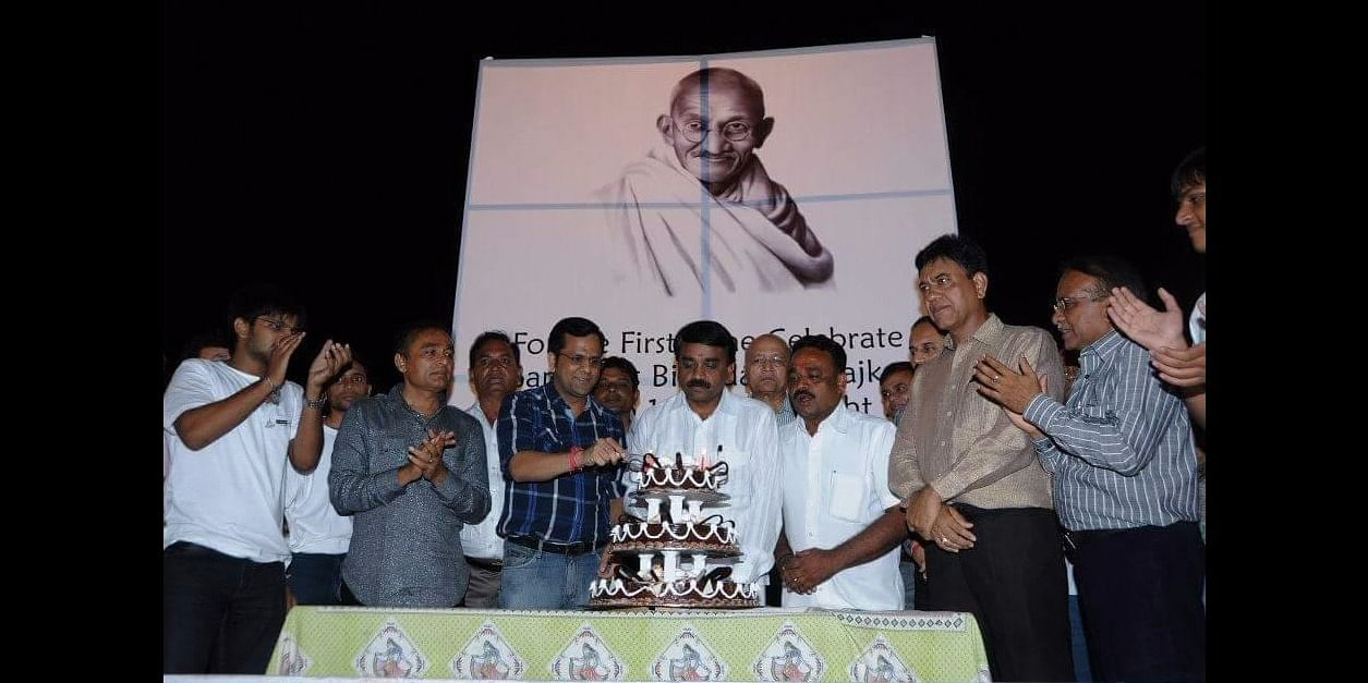 Honorable Collector of Rajkot - Dr. Rajendra Kumar inaugurating the launch of Midnightcake on the eve of Gandhi Jayanti  First of its kind!