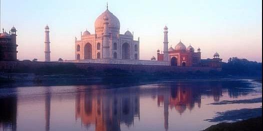 Tour to Taj Mahal of India with Trinetratoursindia.com