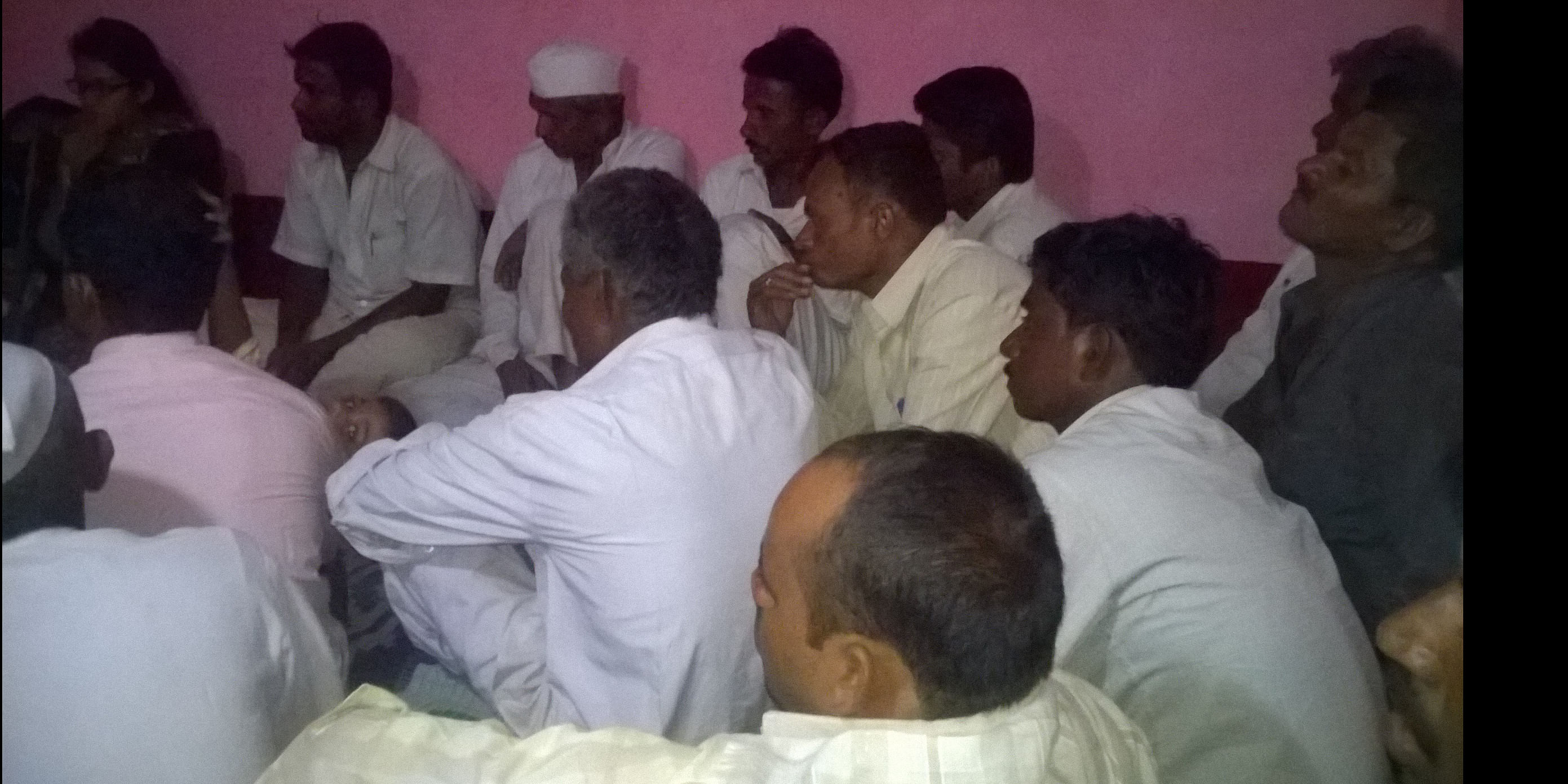 &nbsp;Training session by showing videos of scientific cultivation in local language<br>