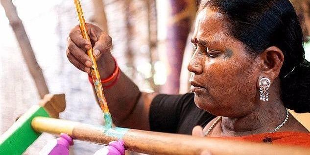 एक दिहाड़ी मजदूर से अंतर्राष्ट्रीय चित्रकार बनने वाली भूरी बाई