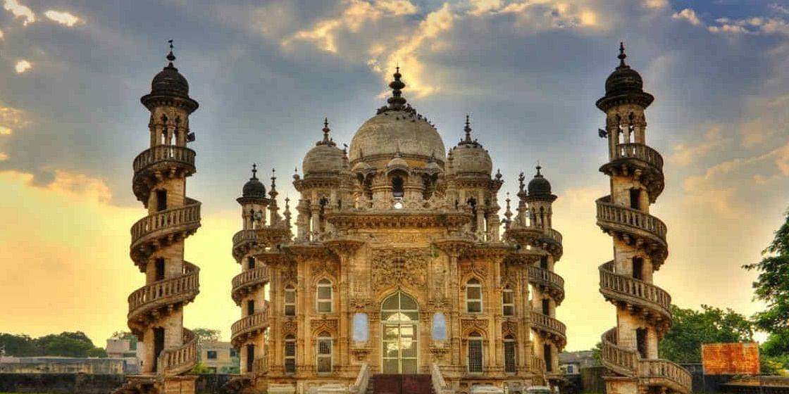 Image Source: https://www.skymetweather.com/content/wp-content/uploads/2017/09/Rain-Gujarat-fb.jpg