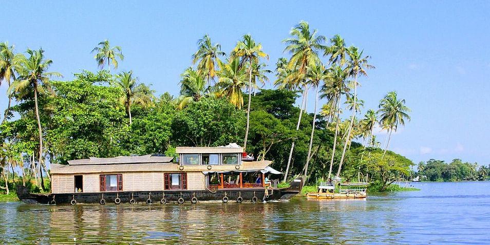Image Source: https://pixabay.com/en/alleppey-houseboat-boat-hou-kerala-2817032/