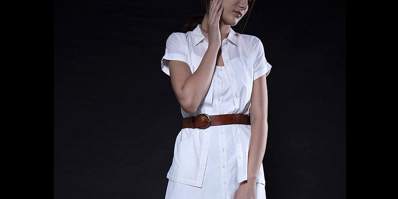 White button down shirt<br>