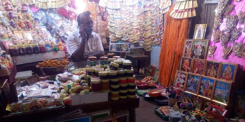 Figure 1 A retail shop inside Madurai Meenakshi Temple