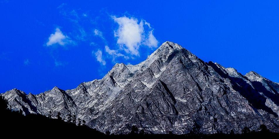 Image Source: https://pixabay.com/en/nature-panoramic-mountain-travel-3076910/